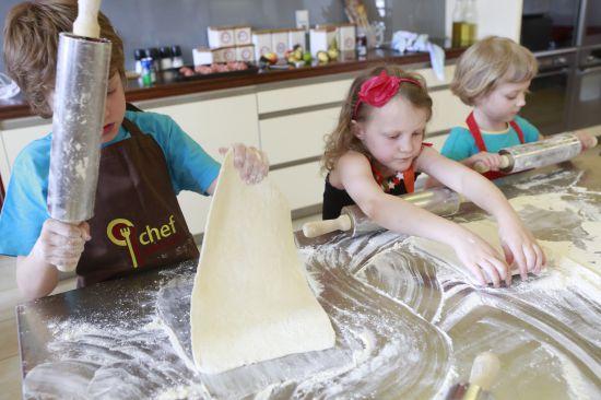 děti se učí vařit - škola vaření